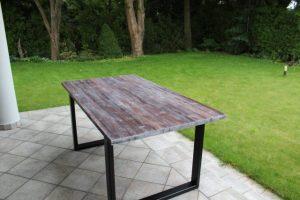 stoły postarzane