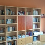 biblioteczka do biura z drewna